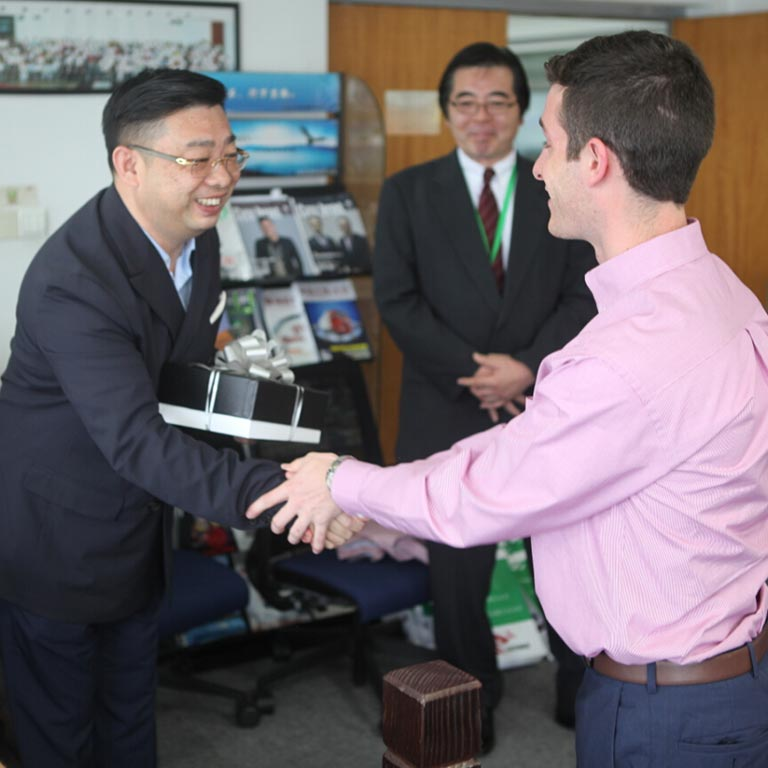 Greeting Sanho Logistics officials